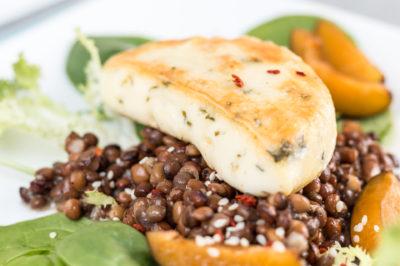 Halloumi-Linsen-Salat